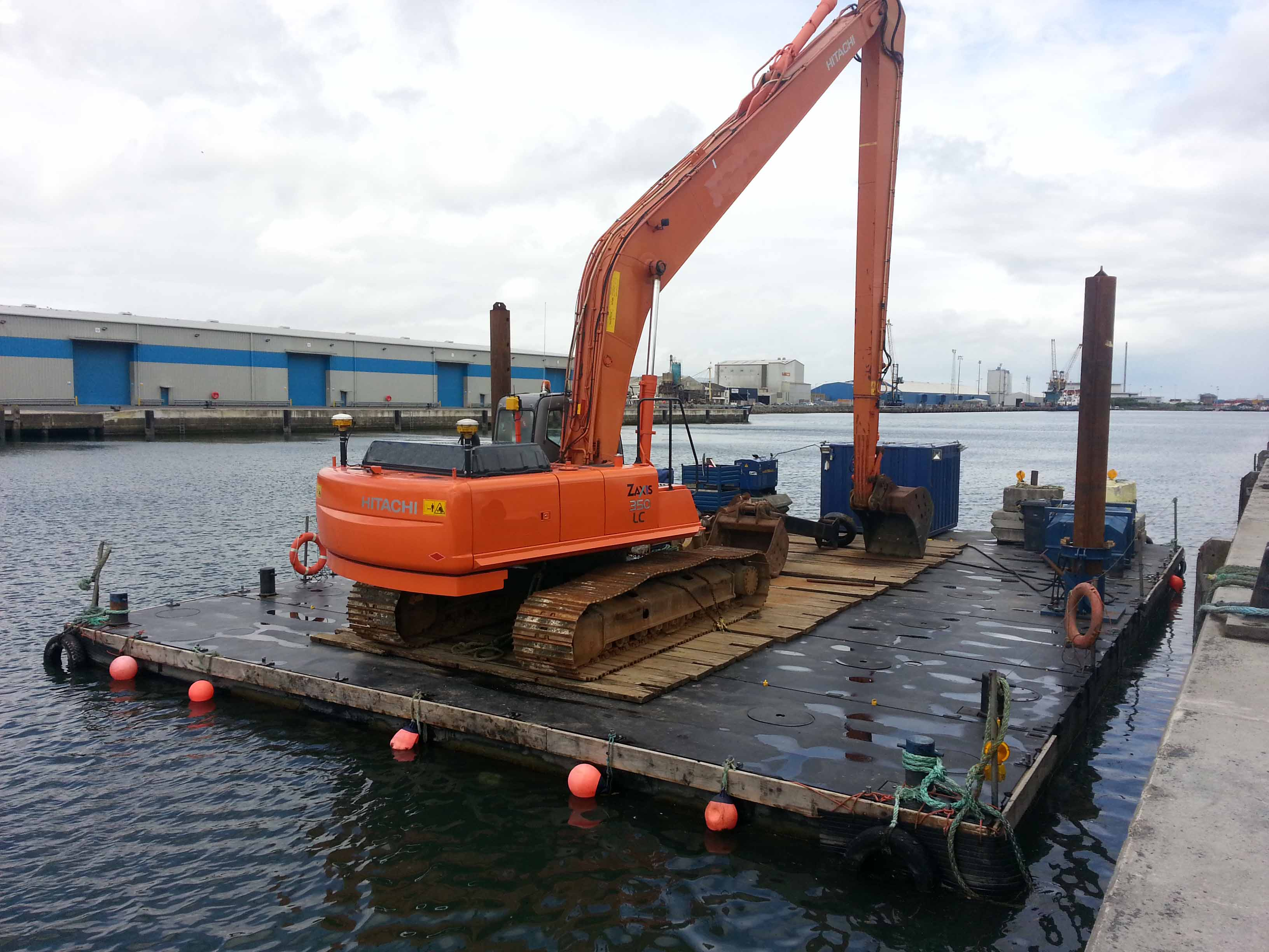 Plant Rigs Dredgers Amp Tugs For Charter Floating Plant